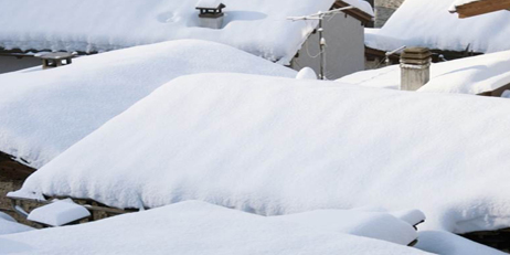 Remove Snow From Roofs in Boston